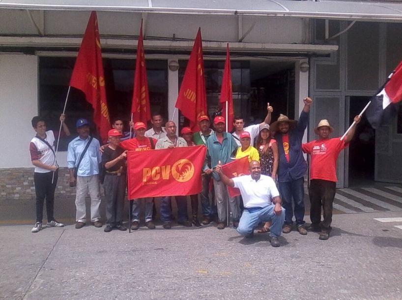 """Rencontre entre les ouvriers communistes de l'usine Cacique de Maracay et la """"Marche paysanne admirable"""" en juillet 2018"""